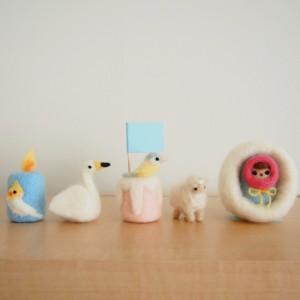 羊毛フェルトのキャンドルケーキ白鳥