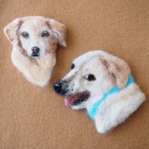 犬のブローチ風羊毛フェルト絵