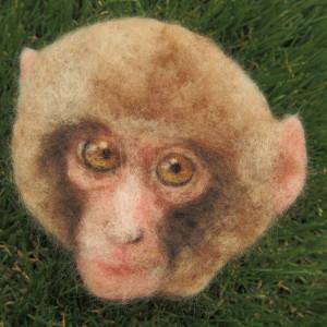 羊毛フェルト絵のお猿さん