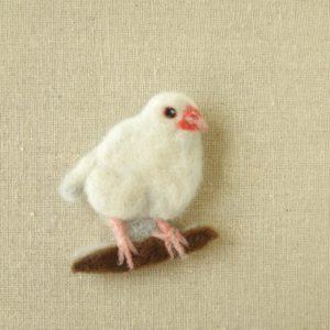 ブローチ風羊毛フェルト絵の白文鳥