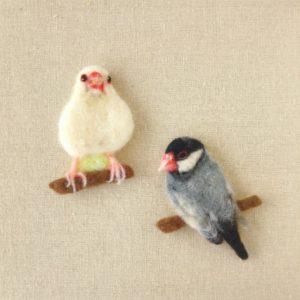 羊毛フェルトの平面文鳥